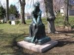 Memorial statue at Billie Burke's grave in KensicoCemetery