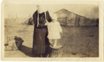 Amish woman and child c1920