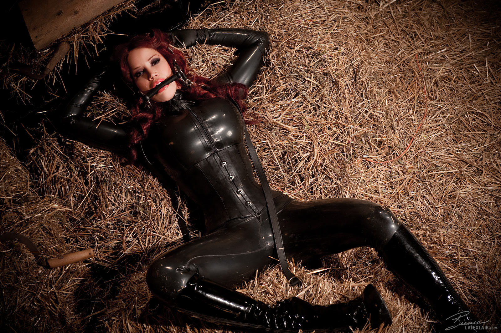 beauchamp pony Bianca latex