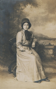 Quaker woman c1900