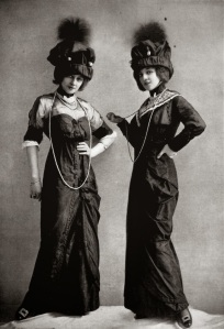 Dress for the races by J. Dukes, photo by Reutlinger, Les Modes May 1912