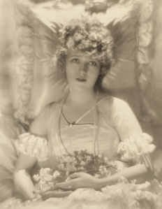 Mary-Pickford-de-Meyer-1920-01