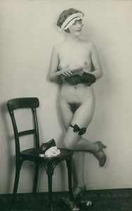German Austrian full nude Garters Maid original old 1920s