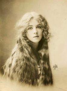 Ione Bright, 1912