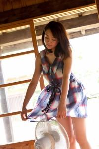 Ai Shinozaki - Keeping cool
