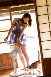 Ai Shinozaki – Keeping cool