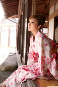 Tatsumi Natsuko - Kimono