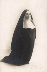 Nun c 1925