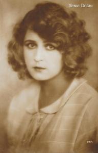 Xenia Desni (195)