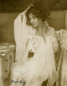 The Coiffure Maude Fealy