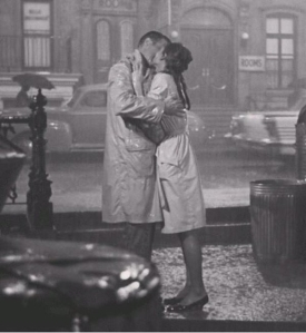 The breakfast at Tiffany's kissing in the rain scene