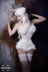 Corset and fur