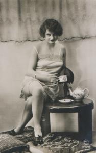 Time for tea   (PC Paris 2309)