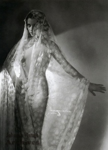 Pretty in lace by Manasse, 1920s