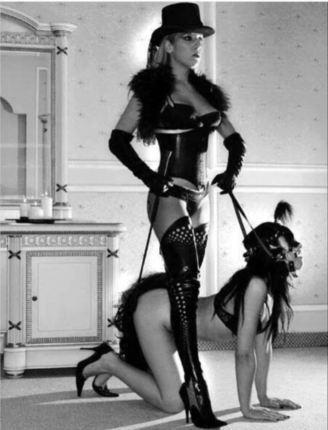 красноярска добавляется рабыня на поводке с госпожой вроде говорил, что