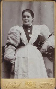 1900's maid